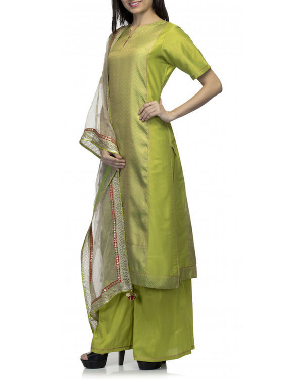 Lime green kurta set with dupatta 3