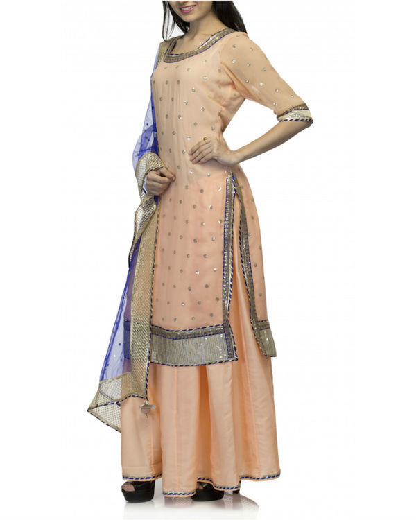 Peach kurta set with dupatta 3