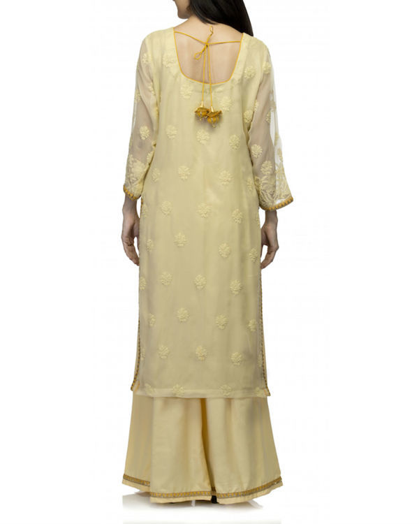 Yellow kurta set with dupatta 3