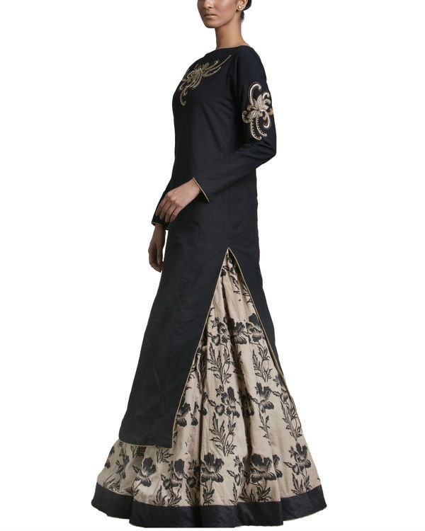 Set of black kurta skirt with dupatta 1