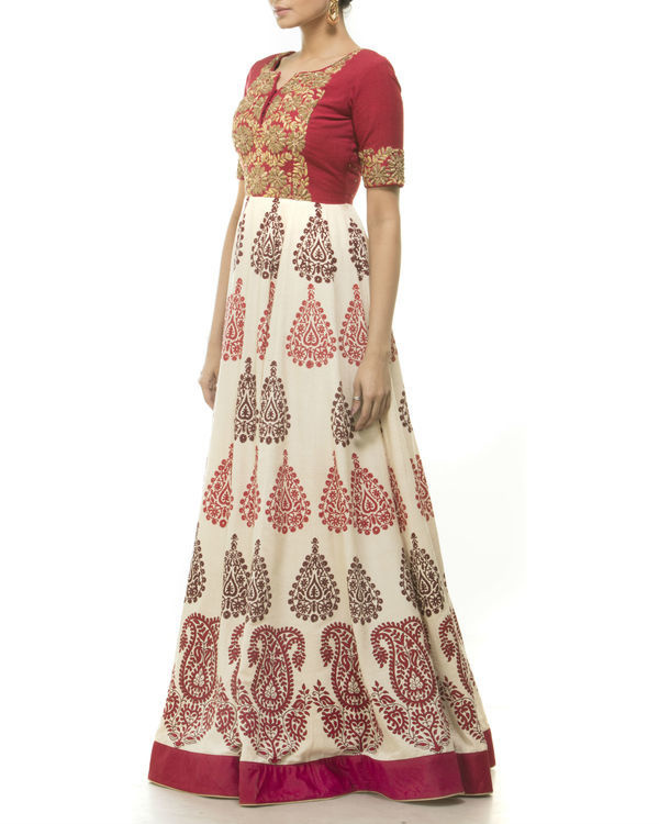 Red flared anarkali 1