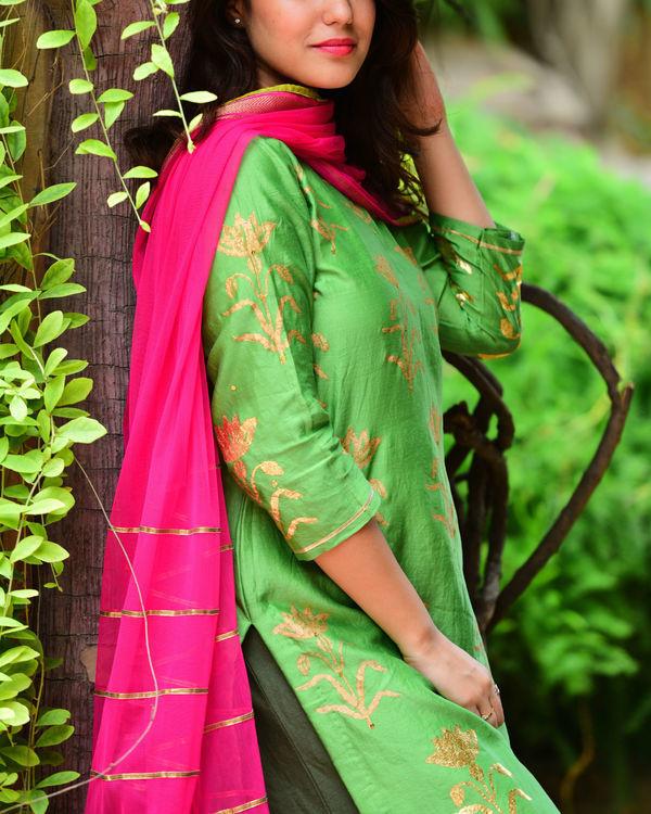 Green mughal kurta set 1