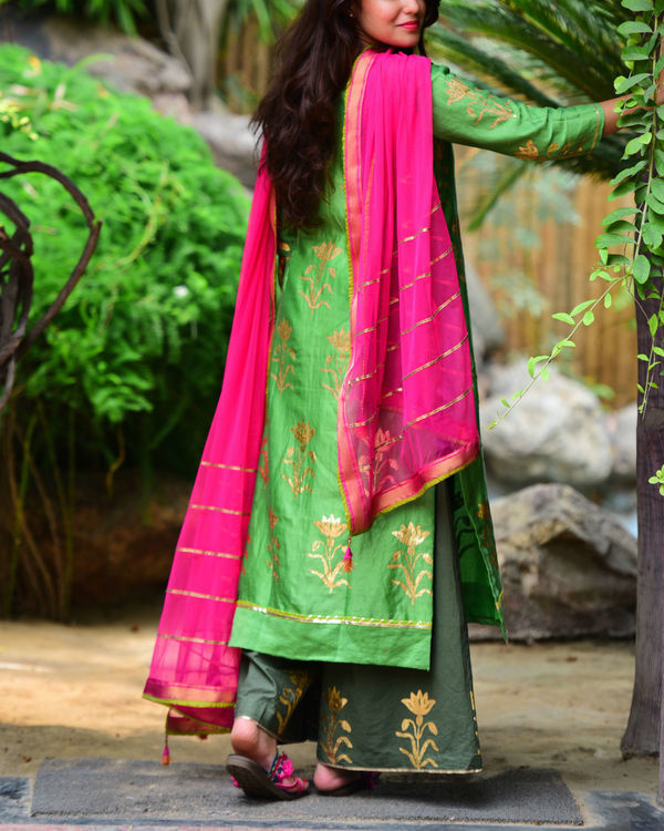 Green mughal kurta set 2