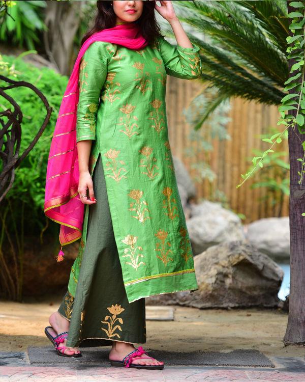 Green mughal kurta set 3