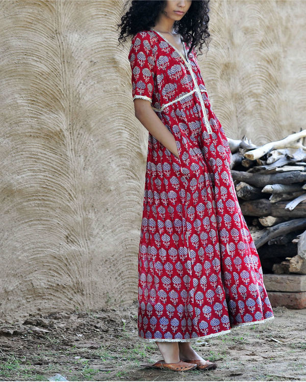 Red chanderi gown 1
