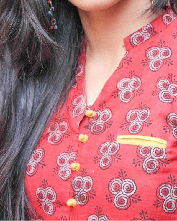 Red kurta with pockets 1