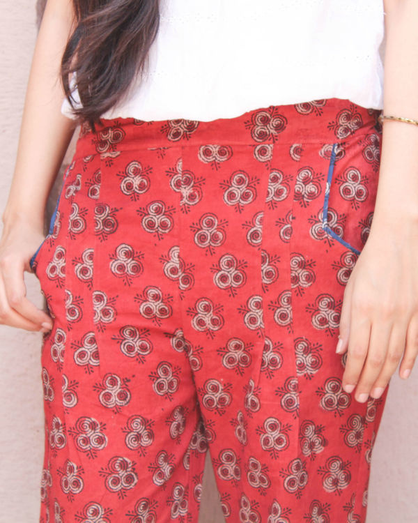 Red pleated pants 1