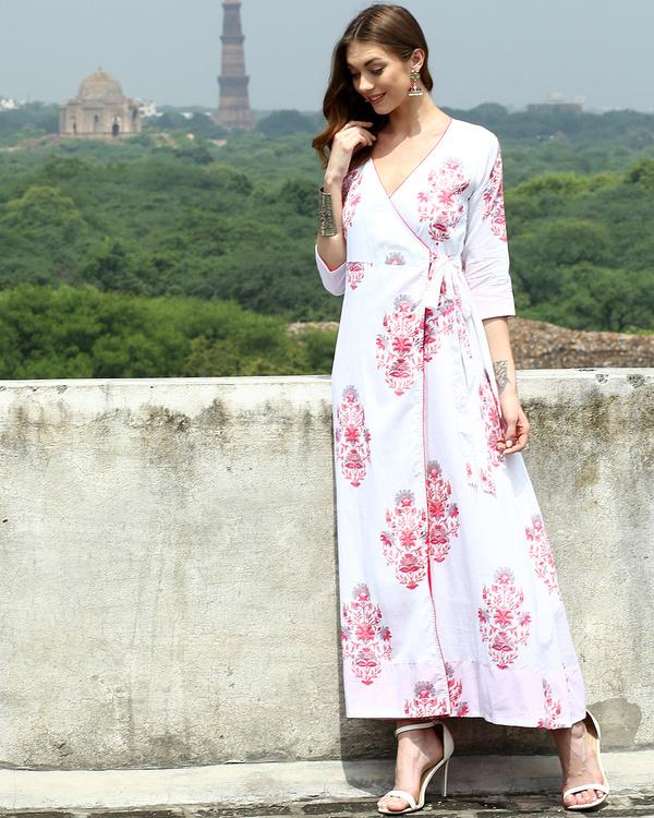 White daisy wrap dress 2