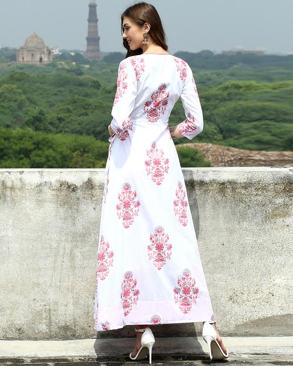 White daisy wrap dress 3
