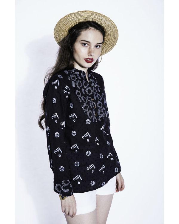 Kuro watson blouse 2