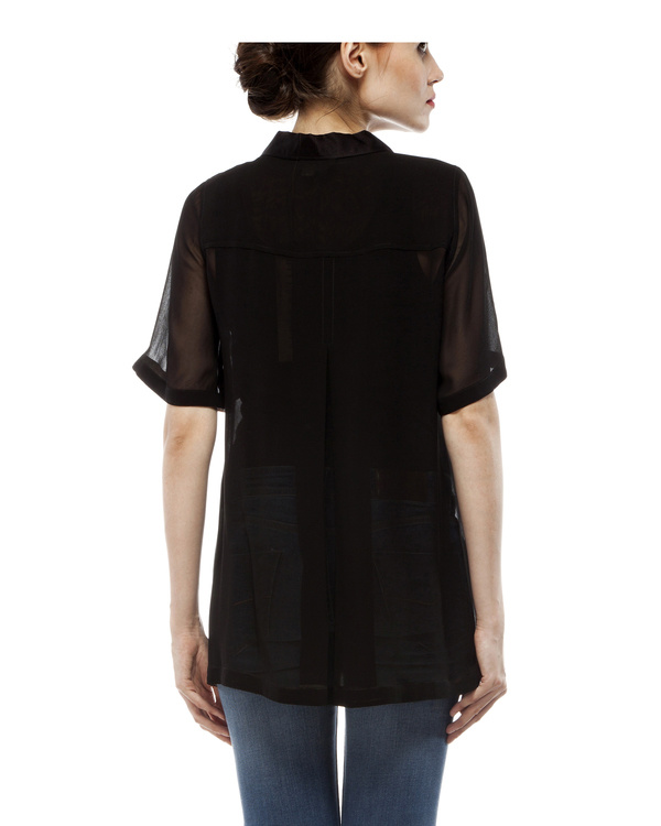 Black shirt with embroidery 3