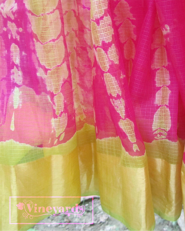 Tie and dye pink saree 1