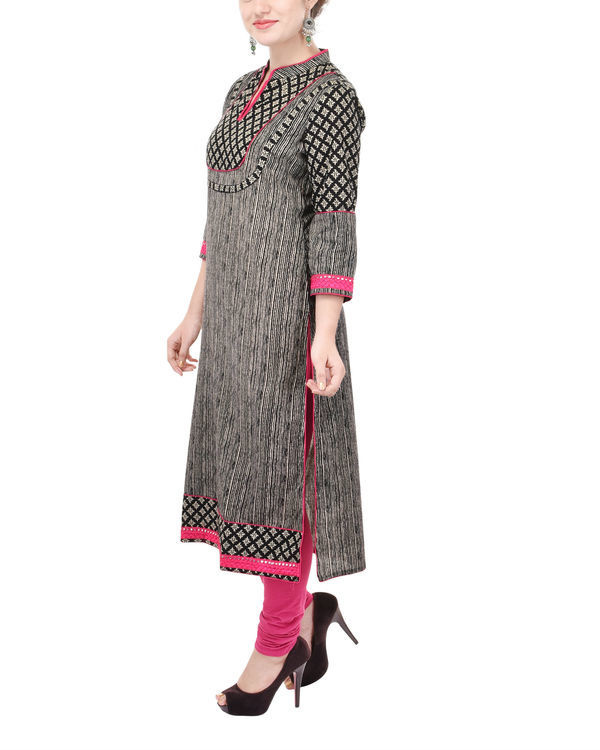 Kohl and rani yoke kurta 1