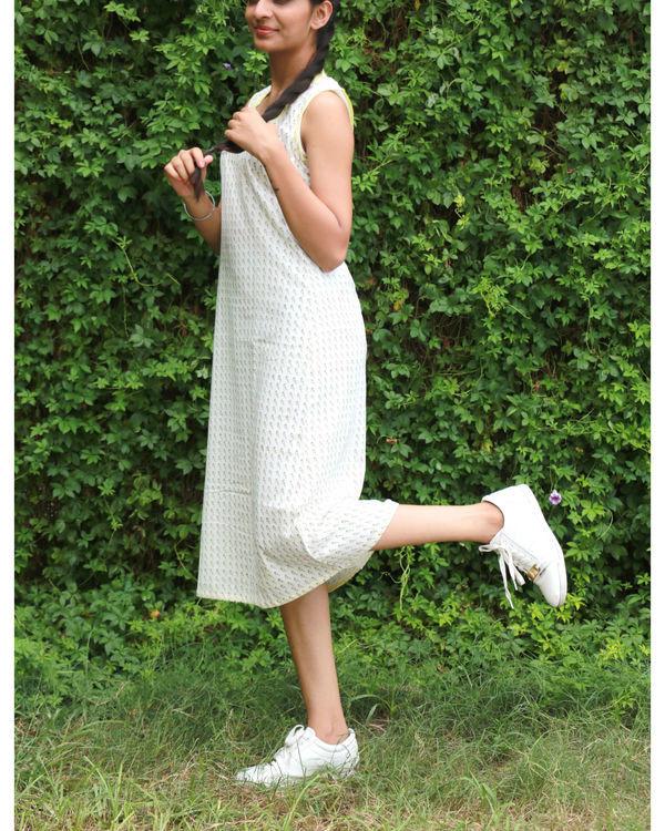 White a-line dress 2