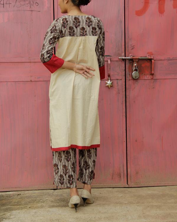 Set of brown kurta with pants 1