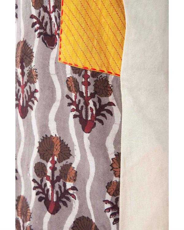 Set of brown kurta with pants 2
