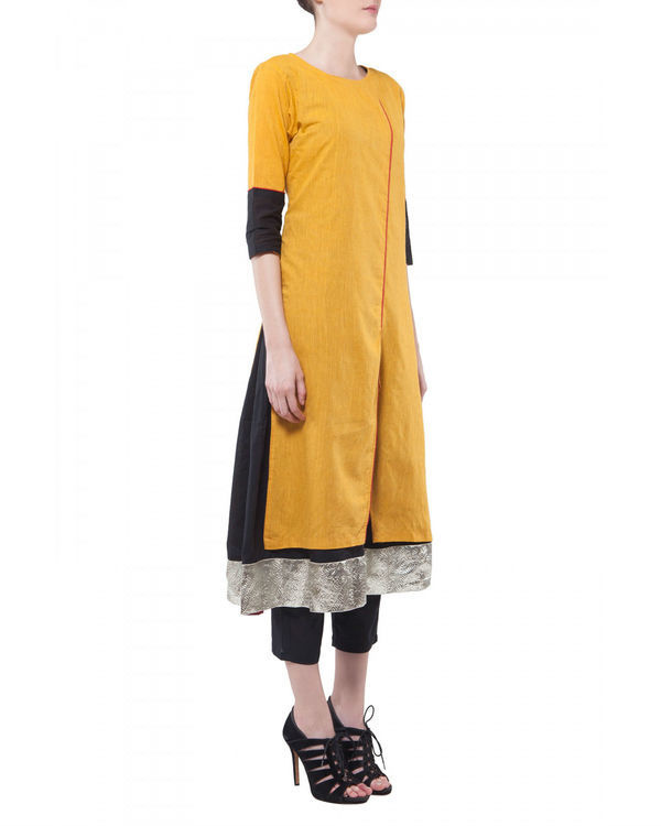Set of yellow kurta with black lining 1