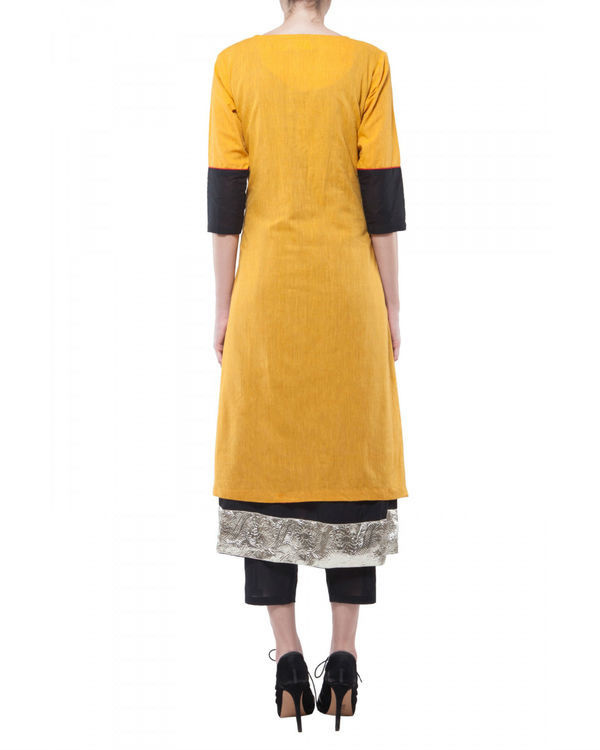 Set of yellow kurta with black lining 2