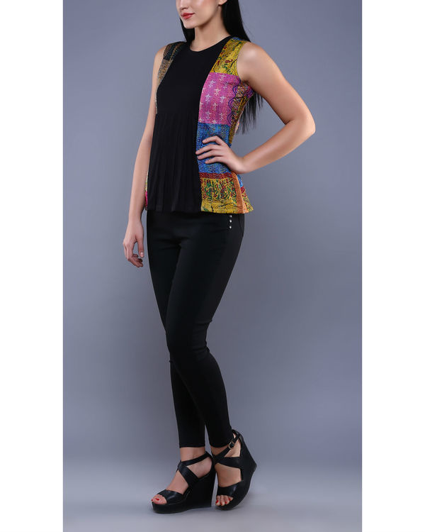 Black kantha pleated top 3