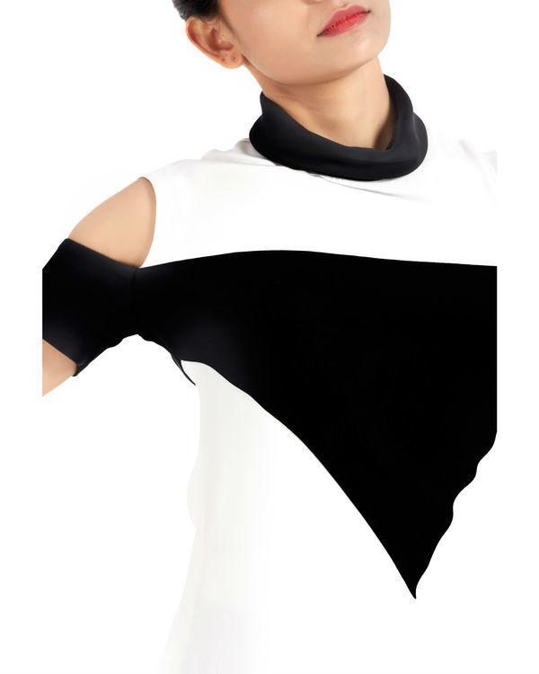 Black Bozo cold shoulder top 2