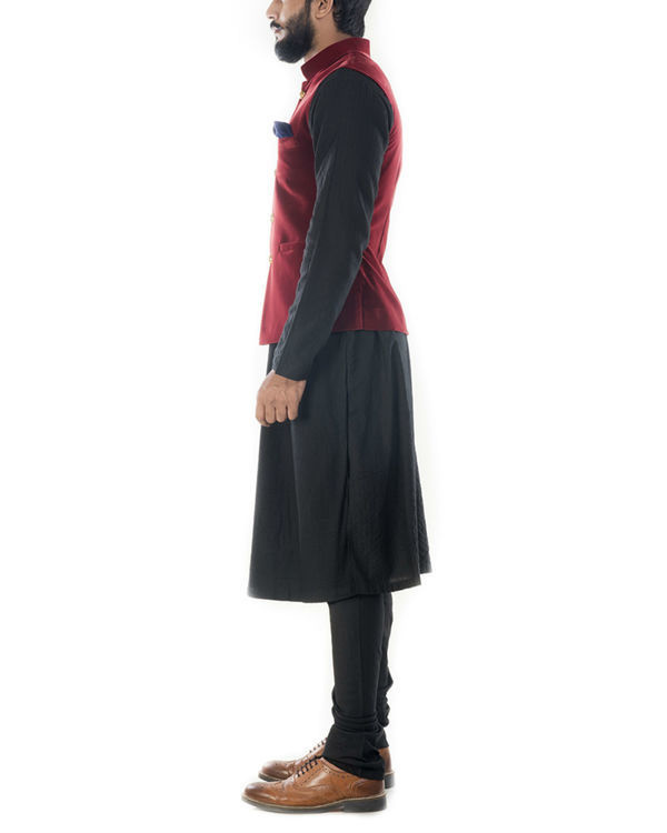 Black solid kurta with wine red velvet jacket 1