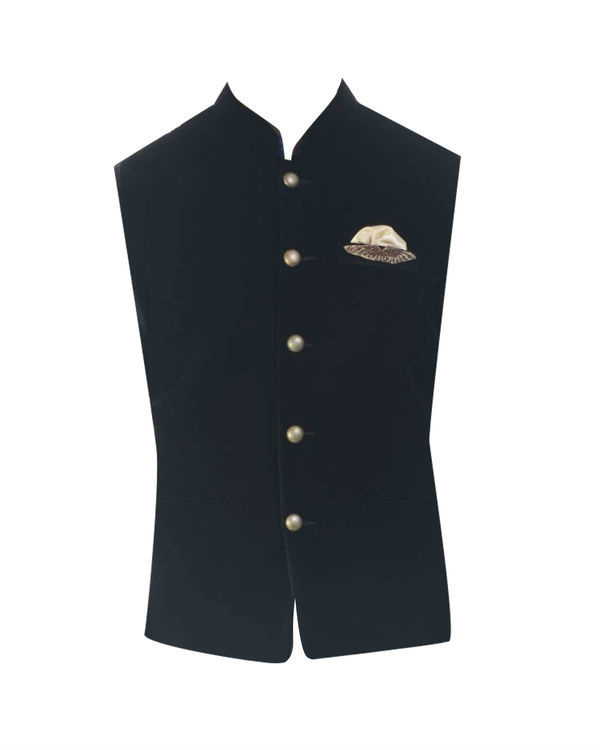 Black solid kurta with jet black velvet jacket 3