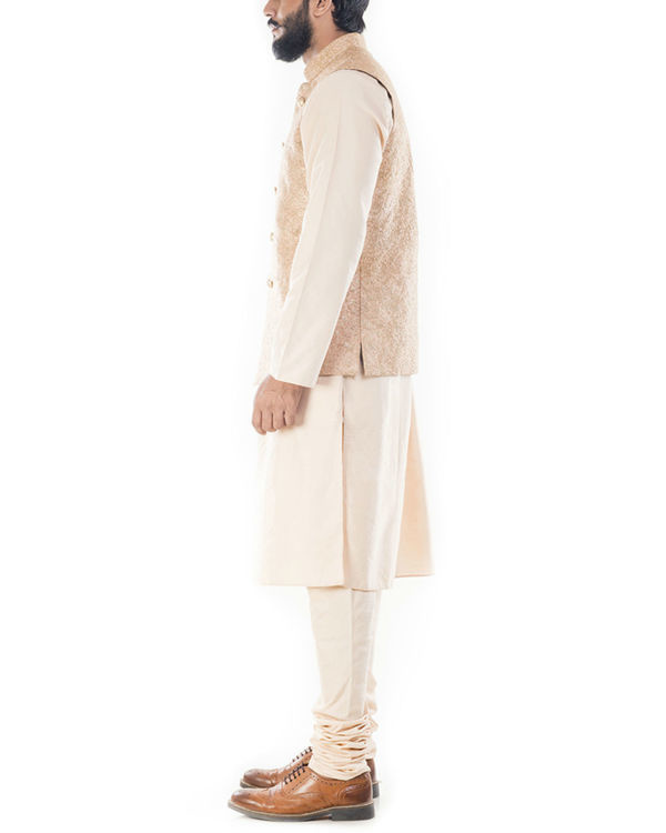 Light beige kurta with golden peach jacket 1