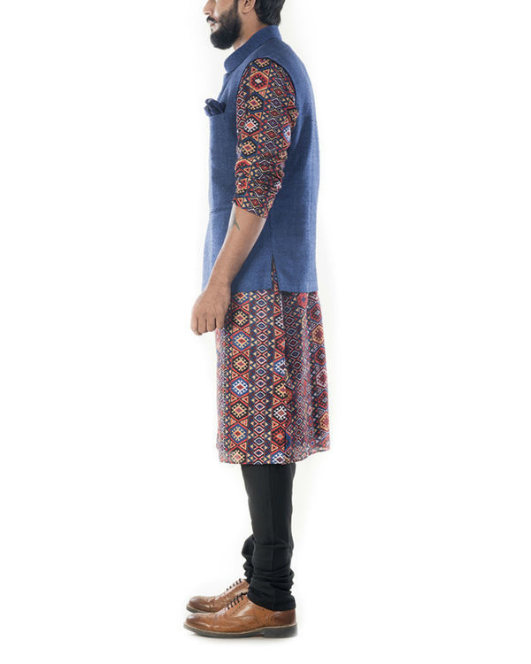 Printed bandhgala kurta with blue jacket 1