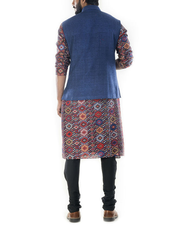 Printed bandhgala kurta with blue jacket 2