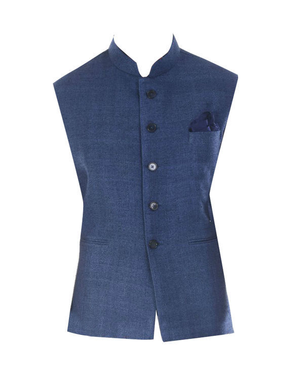 Printed bandhgala kurta with blue jacket 3
