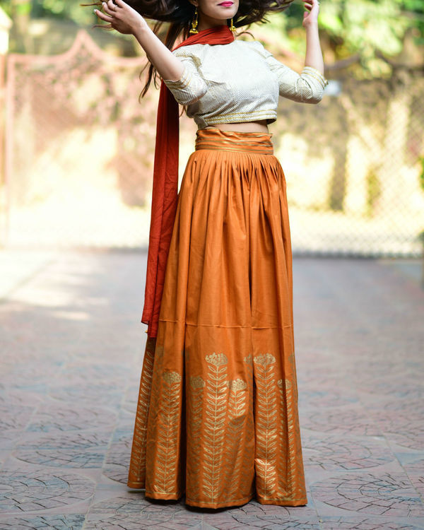 Rust floral lehenga set with dupatta 1