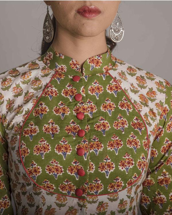 Victorian floral cape 3