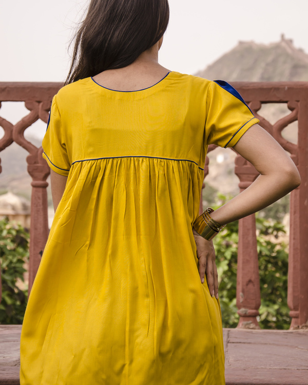 Sunflower pleated top 2