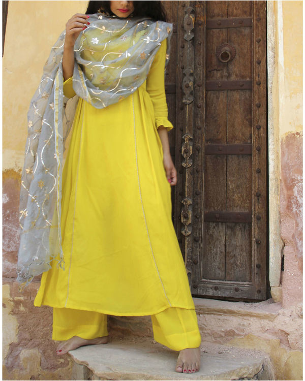 Yellow crepe suit set 1