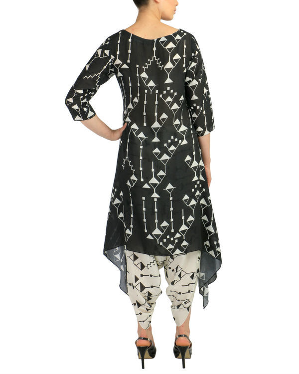 Black geometric kurta set 1