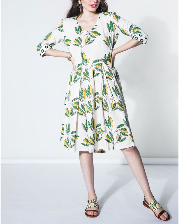 Leaf pleated dress 1