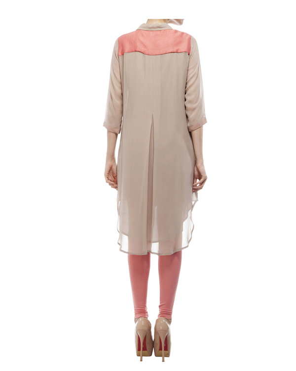 Tunic with embroidered detailing on the front placket 2