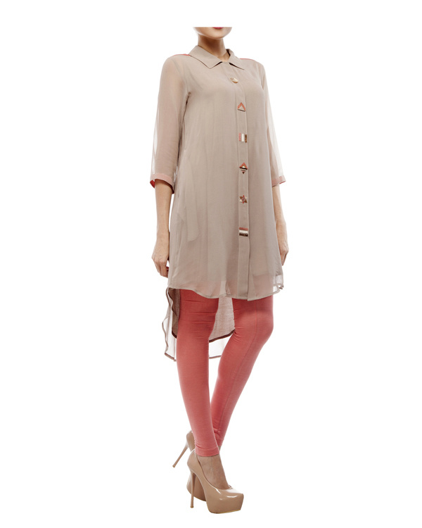 Tunic with embroidered detailing on the front placket 4