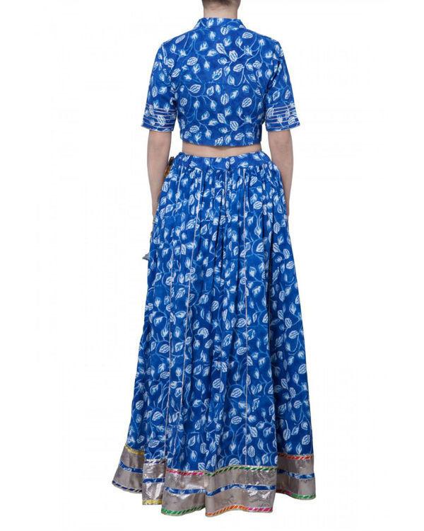 Blue block printed skirt and crop top set 2