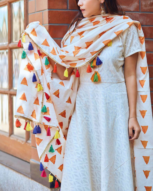 WHITE TASSELED TUNIC WITH DUPATTA 1