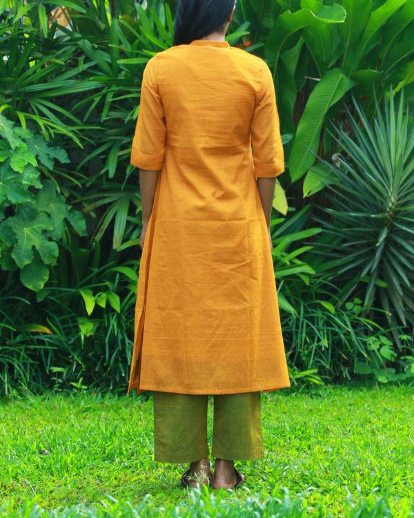 Ochre kurta with camisole 3