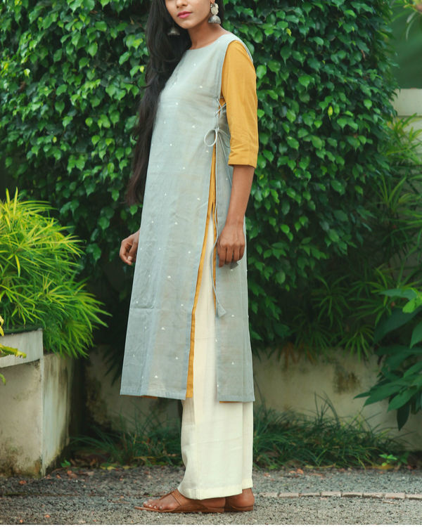 Grey double layered knotted kurta 2
