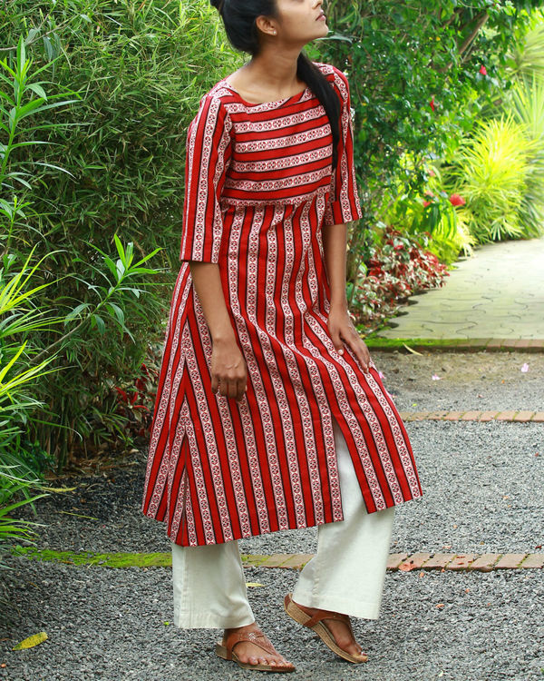 Red vertical kurta 2