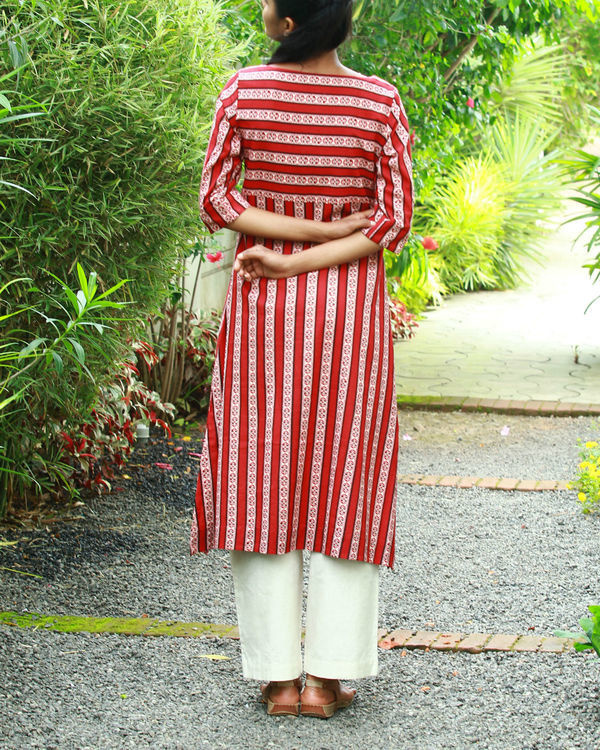Red vertical kurta 3