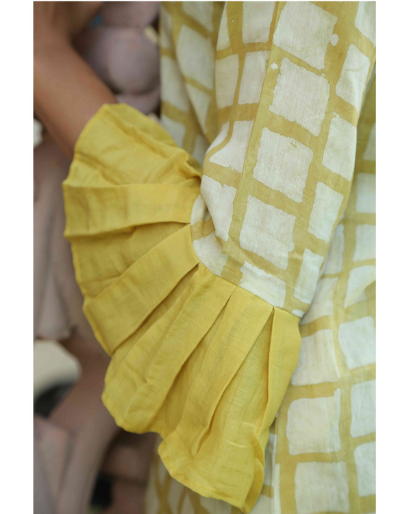 Mustard chequered top 1