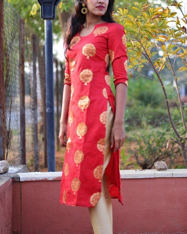 Red brocade kurta set 1