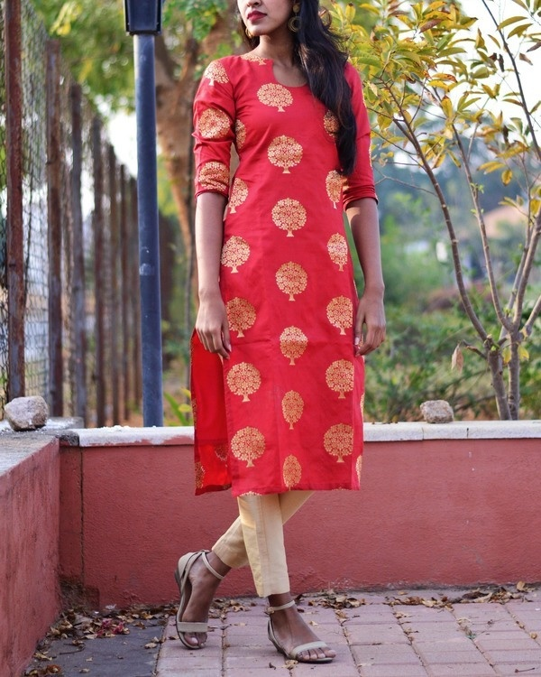 Red brocade kurta set 3