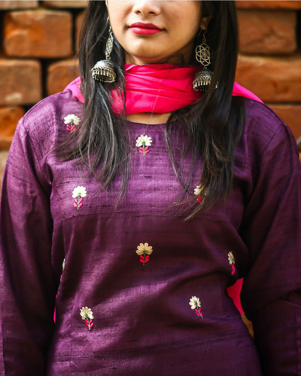 Purple embroidered kurta set 1