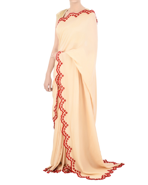 Satin sari with red scallop border 1