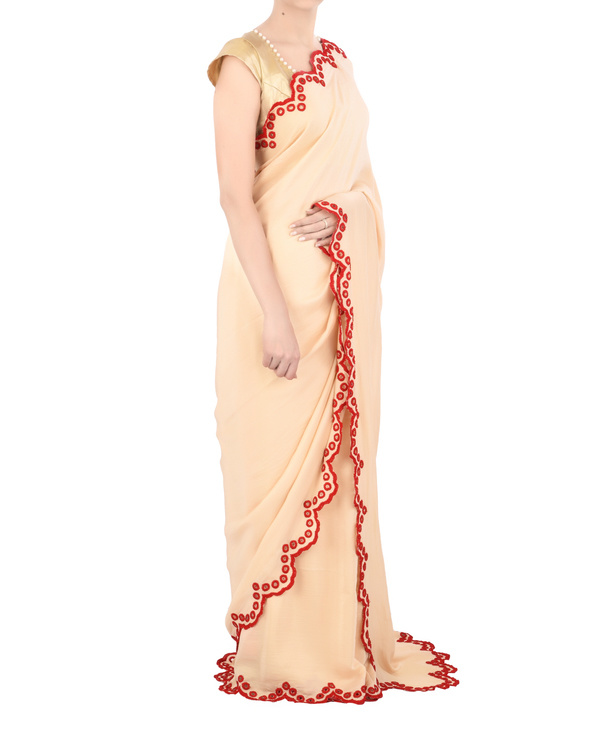 Satin sari with red scallop border 2